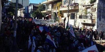 Campesinos marchan hoy en Asunción