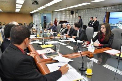 Realizan primera reunión de directores de la Itaipú