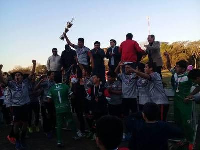 San Josemi flamante campeón en las dos categorias de la Liga Yacyretá de Ayolas