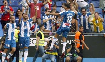 El Espanyol, con Hernán Pérez, vence al Valencia