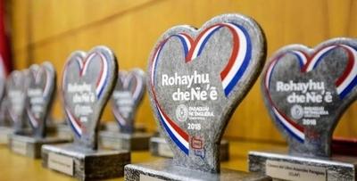 HOY / Premian a refrentes de la Lengua Guaraní