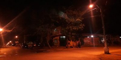 Concejal Maidana acudió a verificar calle anoche por pedido de vecinos