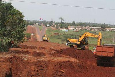 Reparan varios caminos en Alto Paraguay