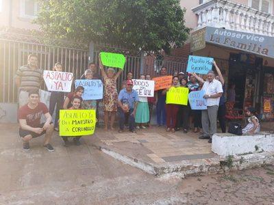 Barrio Lote Guazú: Reclaman asfalto de calle Estados Unidos