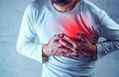 Un mes antes de un ataque cardíaco, el organismo empieza a advertirte con estos síntomas