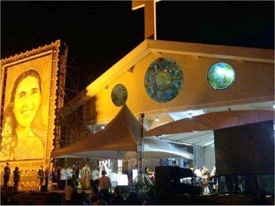 Retablo de Chiquitunga ya adorna Catedral de San Blas