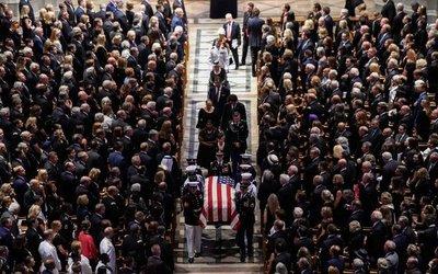 El funeral de John McCain se convierte en una enmienda a Donald Trump