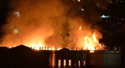 Incendio devora el Museo Nacional de Rio