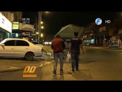 Las calles en la noche, abandonadas a su suerte.
