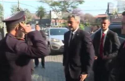 Presidente Abdo Benítez encabeza encuentro de investigación criminal
