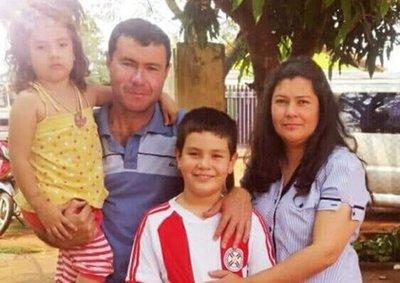 Detienen a adolescente de 14 años por el crimen del policía y su familia
