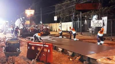 Amplían horario de trabajo para acelerar construcción del Metrobús