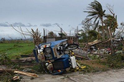Una decena de muertos y devastación deja tifón Mangkhut