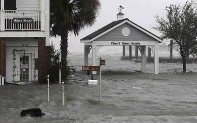Asciende a trece los muertos por el huracán Florence