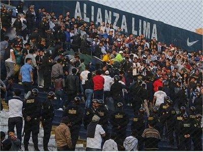 La violencia fue protagonista en el fútbol de Perú