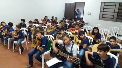 La música sigue: Crescencio Ruiz abre su propia escuela