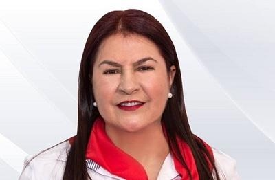 """Excandidata dice que ganará G. 37 millones en Itaipú para """"servir a la gente"""""""