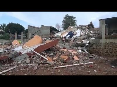 Colapsó edificio de departamentos en Ciudad del Este