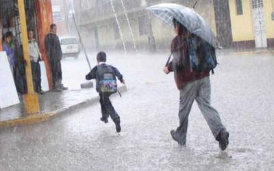 Anuncian lluvias y tormentas eléctricas para 10 departamentos