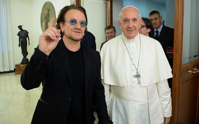 Francisco recibió a Bono de U2 en el Vaticano