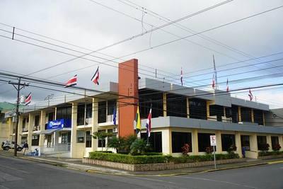 Fiscalía allana Municipalidad y oficina de San Carlos del Apa