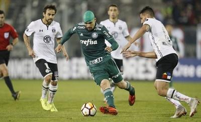 HOY / Palmeiras da un golpe casi lapidario a Colo Colo en Santiago