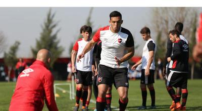 Alfio Oviedo se negó a jugar en la reserva de Newell's Old Boys