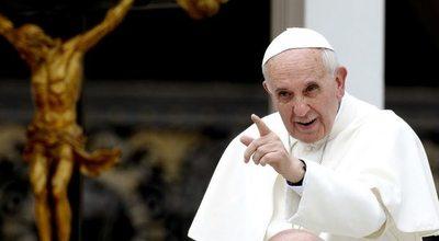 Papa acepta renuncia de obispos Pellegrín y Contreras