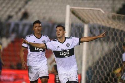 Olimpia de los misioneros Camacho y Bogado goleó 4 a 0