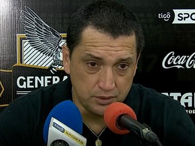 Aldo Bobadilla felicitó a sus jugadores por la victoria