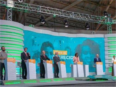 Candidatos batallan en economía en el  primer debate con Haddad