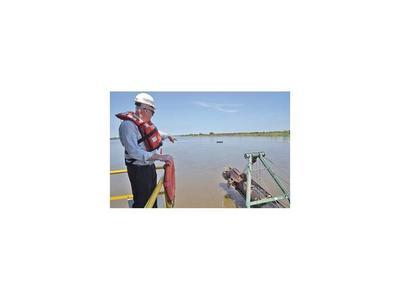 El MOPC inició el dragado del río Paraguay en Villeta