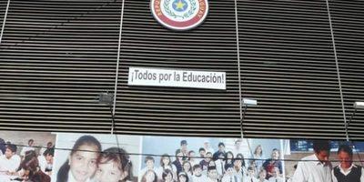 MEC y Federación Rusa acuerdan más becas para estudiantes paraguayos