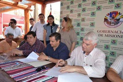MOPC firma convenio con municipios y gobernación
