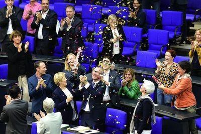 Legalizan matrimonio gay en Alemania