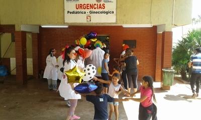 Visita de Payasonrisas alegra a  pacientes del Hospital Regional