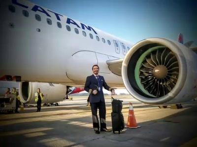 Otro paraguayo también pilotará el avión comercial más grande del mundo