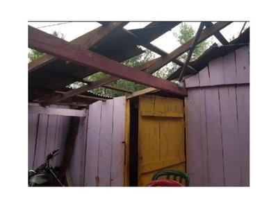 Temporal destechó varias casas en Capitán Meza