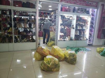 Requisan calzados de supuesto contrabando en el Mercado 4