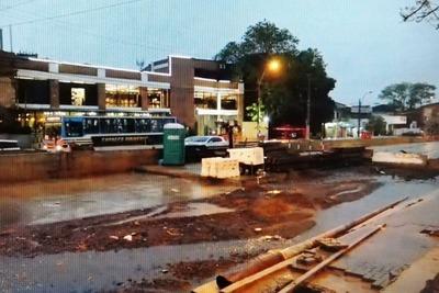 Metrobús: lluvias generan más caos en zona de obras