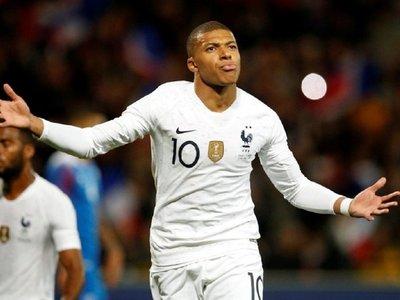 Mbappé salva el honor de la campeona ante una sólida Islandia