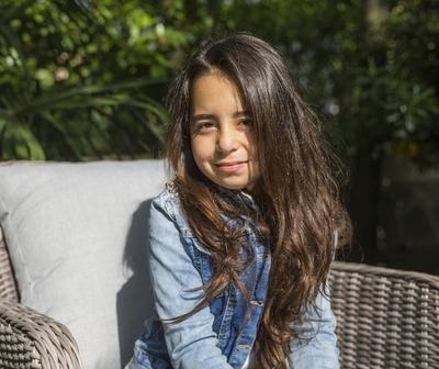 """5 cosas que no sabías de Beren Gökyıldız, la pequeña que interpreta a Melek en """"Madre"""""""