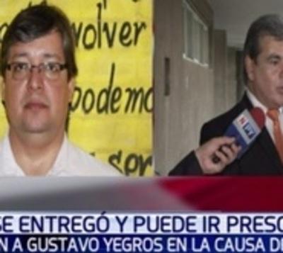 Fiscal irá a prisión tras recibir supuestamente soborno de 'Cucho'