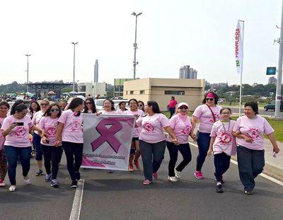 Para tomar conciencia sobre cáncer de mama hoy marchan