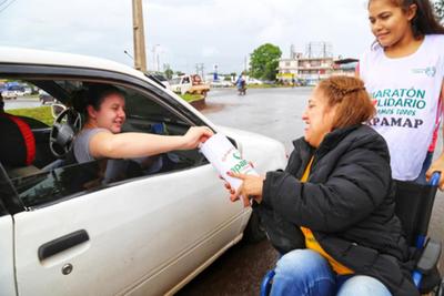 La lluvia no fue  obstáculo para ayudar  a la Fundación Apamap