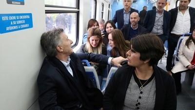 Macri destaca inversiones del gobierno en medio de la crisis