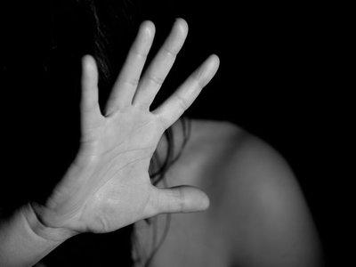 Más de 13.000 casos de violencia contra la mujer se registran en el país