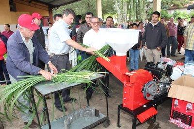 Escuelas agrícolas recibieron kits de herramientas del MAG