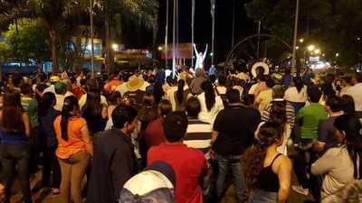 Marchan exigiendo la recategorización del Hospital de Caaguazú – Prensa 5