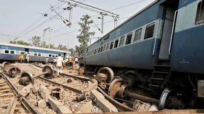 Al menos 10 muertos y 90 heridos al descarrilar un tren de pasajeros en Marruecos